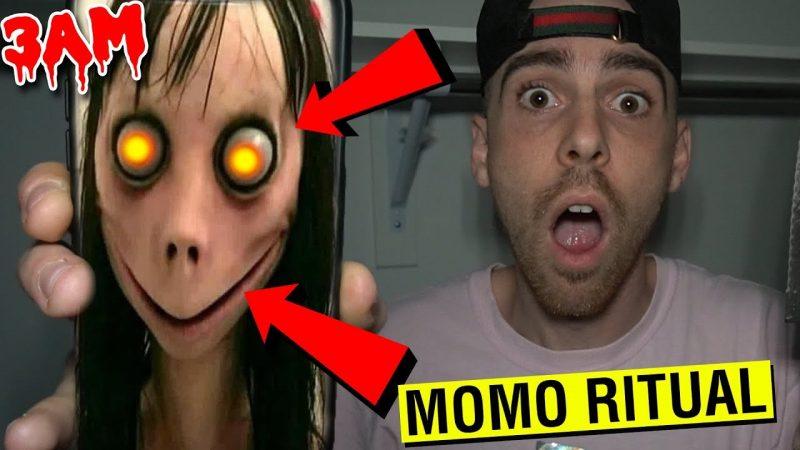 Момо и блогер