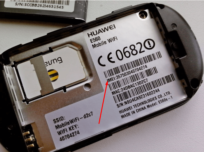 Наклейка на задней части устройства