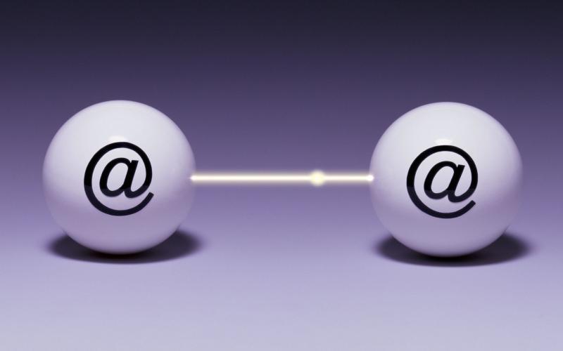 Красивая картинка, символизирующая e-mail